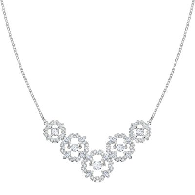 16-04-772-swarovski-sparkling-dc-flower-necklace-5397240
